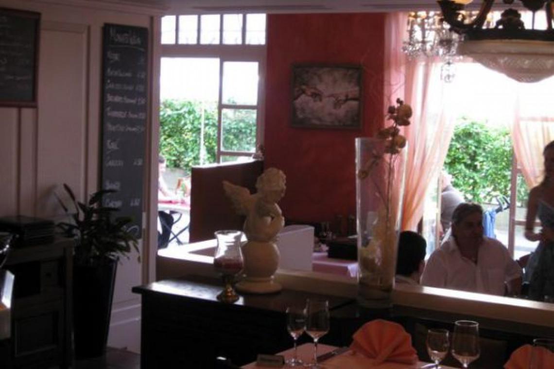 Restaurant Blick von Innen nach Aussen