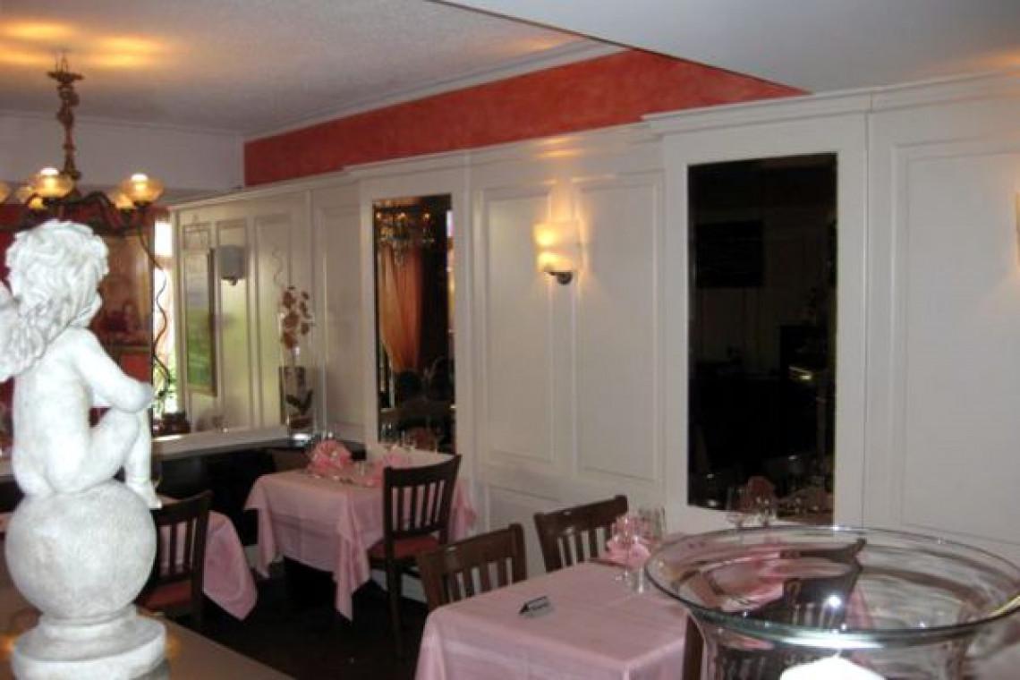 Innenbereich Restaurant und Statue